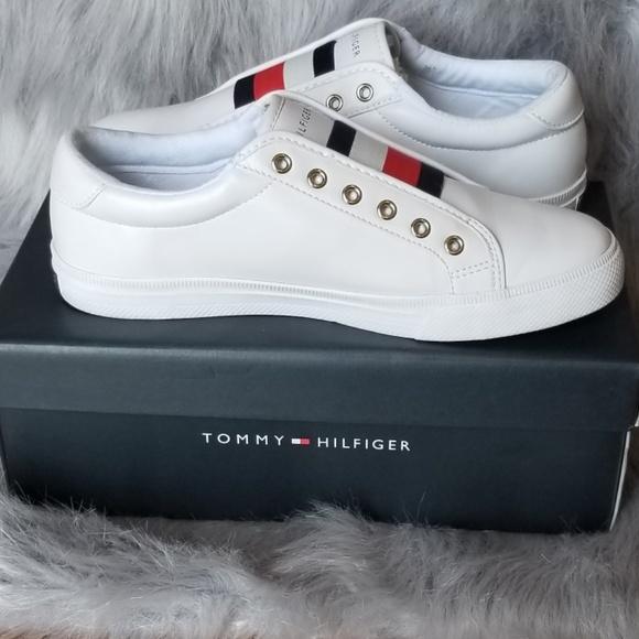 ad34e4459fd36 Tommy Hilfiger White Sneakers Women Sz 8.5. M 5b5254631b3294cd6f0bbbf8